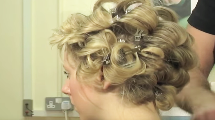 Barrel curl blow dry thumbnail